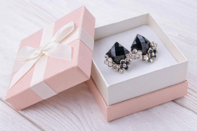 Why Jewellery Makes a Great Gift